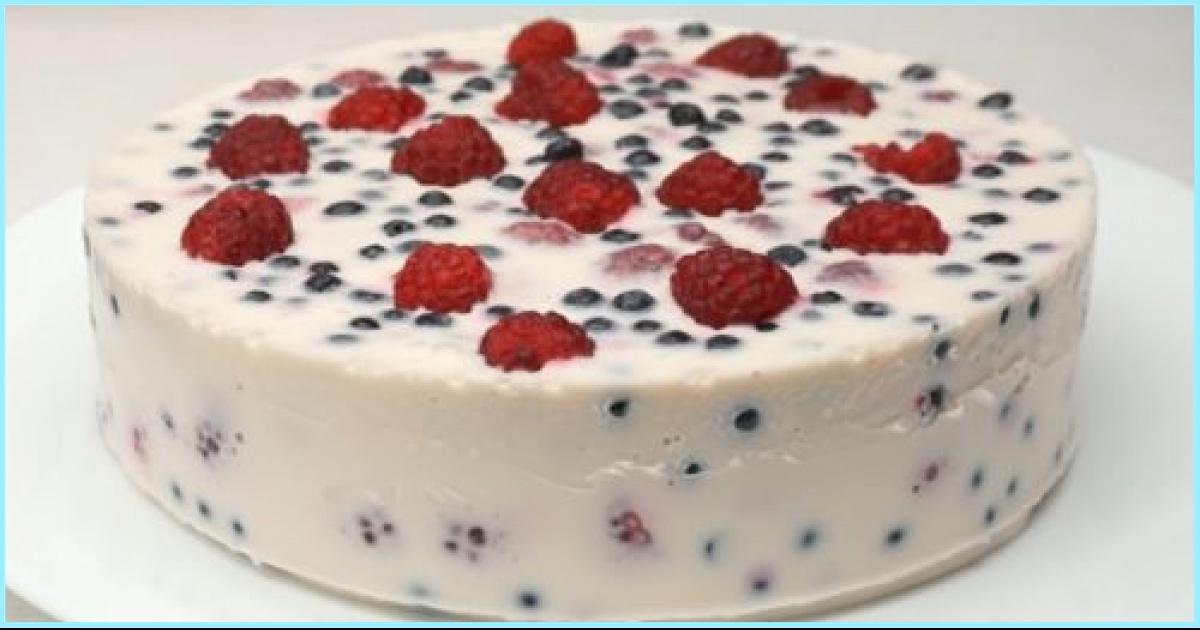 Вкусный ягодный торт без выпечки: готов через 15 минут