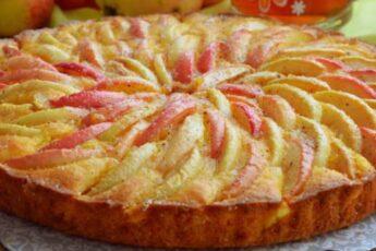 """Пирог """"Яблоки на снегу"""" с очень нежной начинкой. Пирог тает во рту!"""