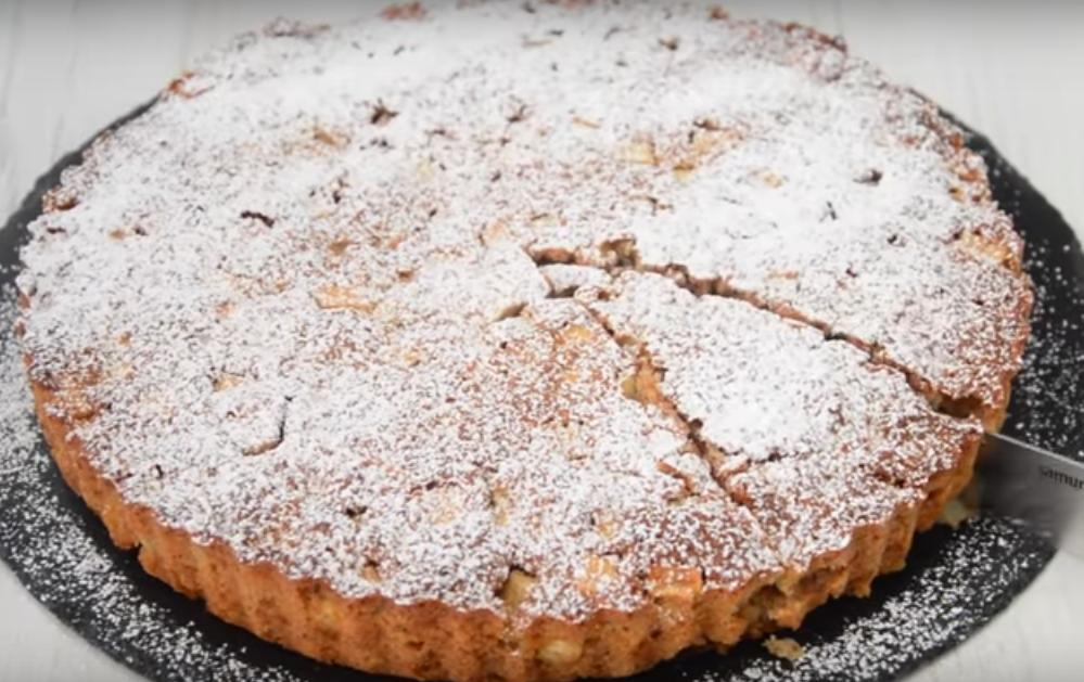 Овсяный пирог с яблоками — вкусное и аппетитное блюдо