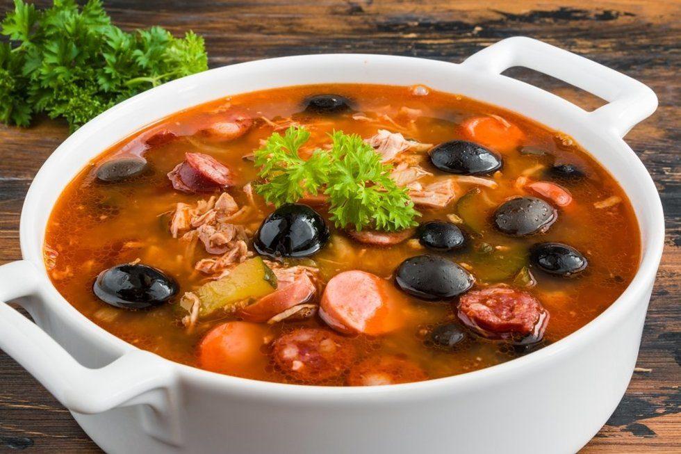 Солянка «Горожанка» — суп, который вас покорит