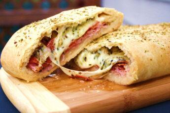 Стромболи или пицца-рулет: Необычная и очень вкусная
