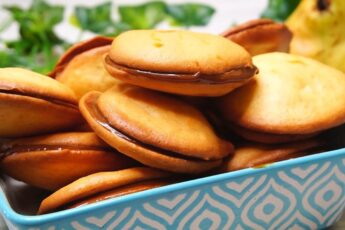 Мягкое Домашнее печенье самое простое . Я его часто готовила в детстве.