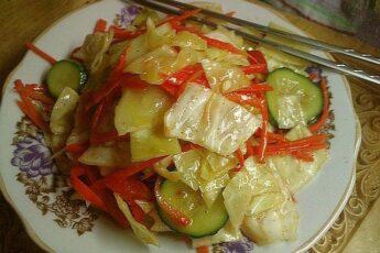 Салат из капусты и огурцов по-корейски