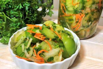 Осенний хит: быстрая пикантная закуска из зеленых помидоров (можно и на зиму)