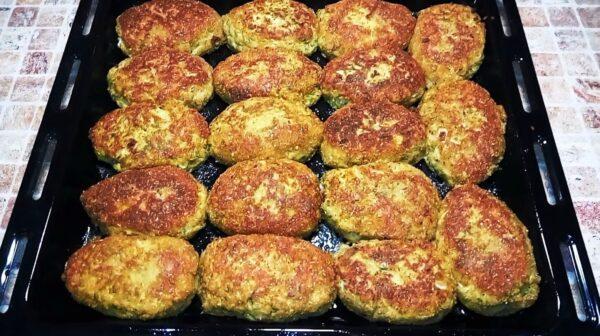 Котлеты из кабачков: рецепт сочного и вкусного блюда