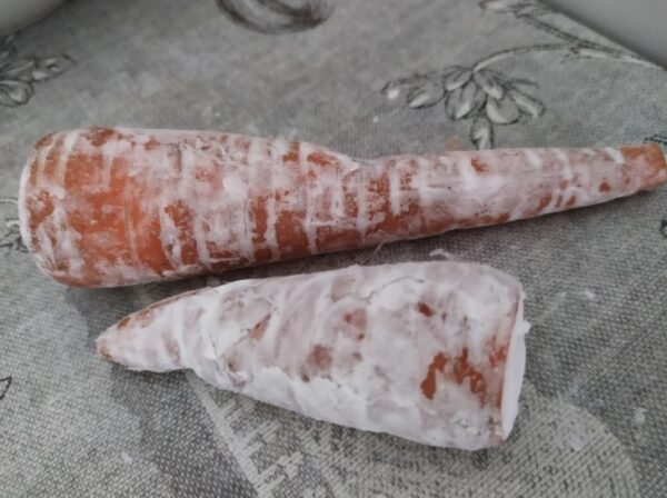 Хитрость с советских времен. Как хранить морковь, свеклу без погреба: до весны сочная, свежая