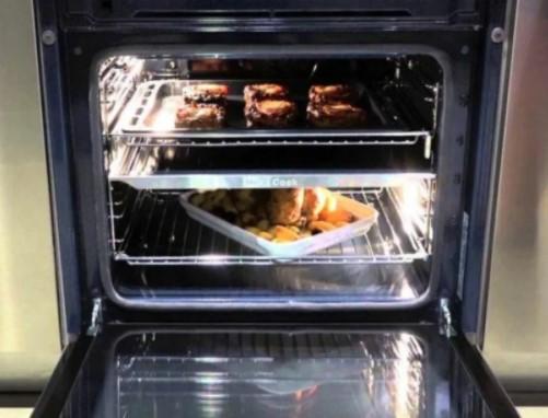 Моя духовка теперь блестит! Рассказываю, как быстро и дешево отмываю духовку средством, которое всегда есть под рукой на нашей кухне